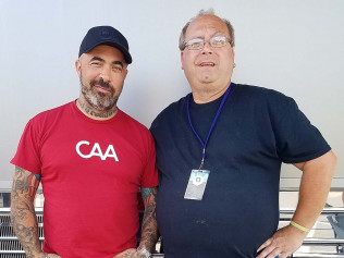 Aaron Lewis (Country Singer & Staind)
