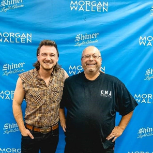 MORGAN WALLEN - COUNTRY SINGER